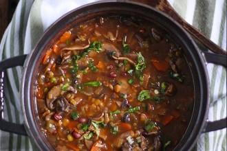 Суп фасолевый с грибами и рисом