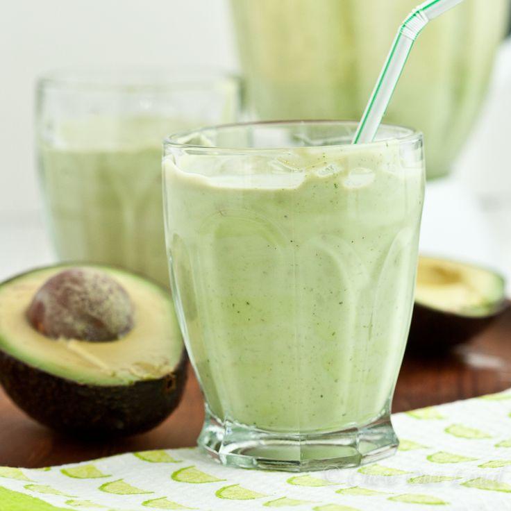 Коктейль из авокадо с кокосовым молоком
