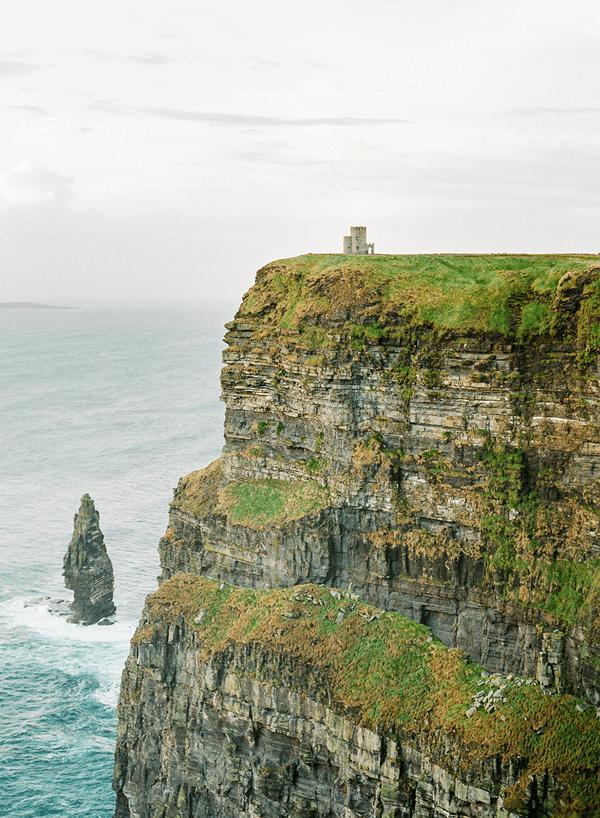 sarah-donaldson-cliff-engagement
