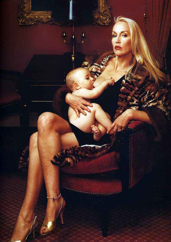 Jerry Hall breastfeeding