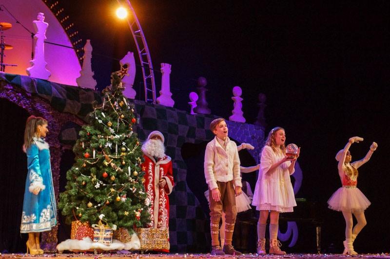 Волшебный подарок Деда Мороза Цирк Чудес Айвенго