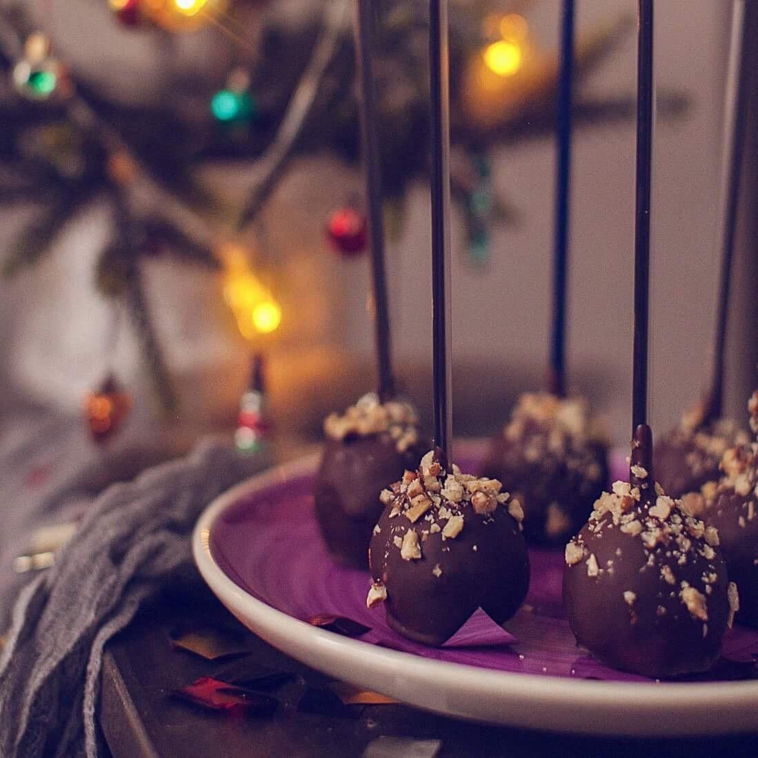 шоколадные кейк-попсы, меню новогоднего стола 2017 рецепты