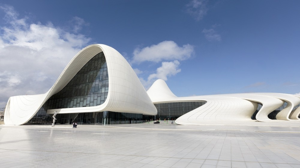 Заха Хадид Центр Гейдара Алиева в Баку