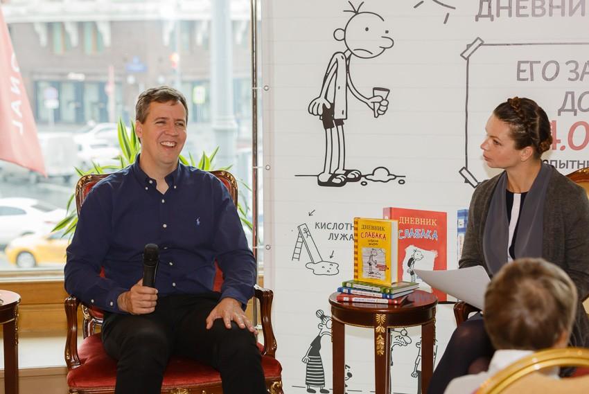 Джефф Кинни: «Мой холст – это детство и это большая Вселенная»