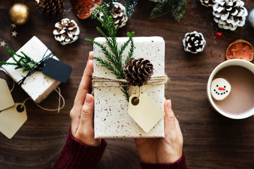 Как выбирать новогодние подарки, чтобы не было мучительно стыдно