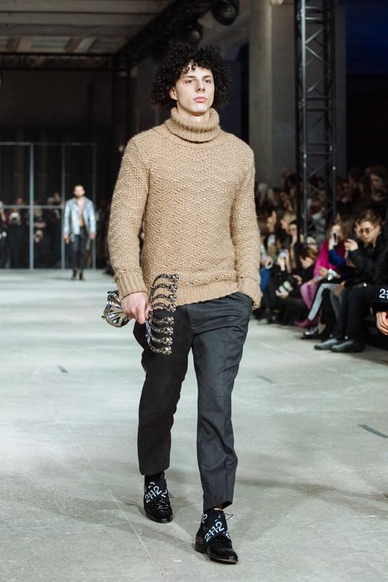 2112 представили на неделе моды новую коллекцию «Эмигранты» F/W 2019