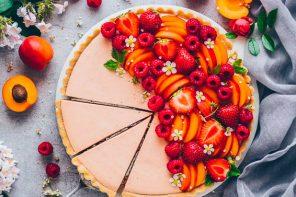 Летний тарт с ягодным муссом
