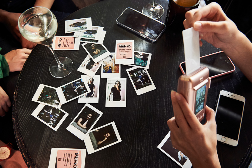 Instax mini LiPlay - голос моментальной фотографии