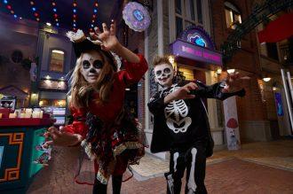 9 лучших способов отметить Хэллоуин и осенние каникулы с детьми
