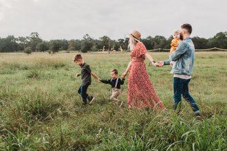 Чем заняться с детьми осенью: 7 отличных идей
